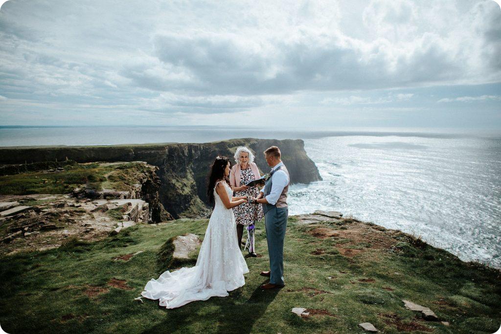 elopement cliffs of moher wedding wedding photography ireland00037