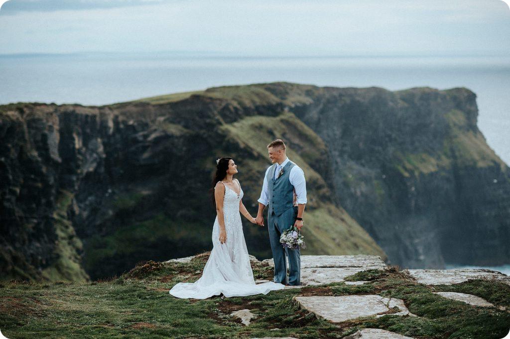 elopement cliffs of moher wedding wedding photography ireland00047