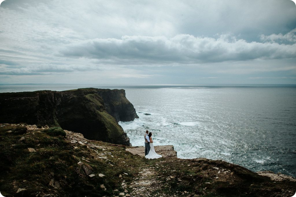 elopement cliffs of moher wedding wedding photography ireland00054