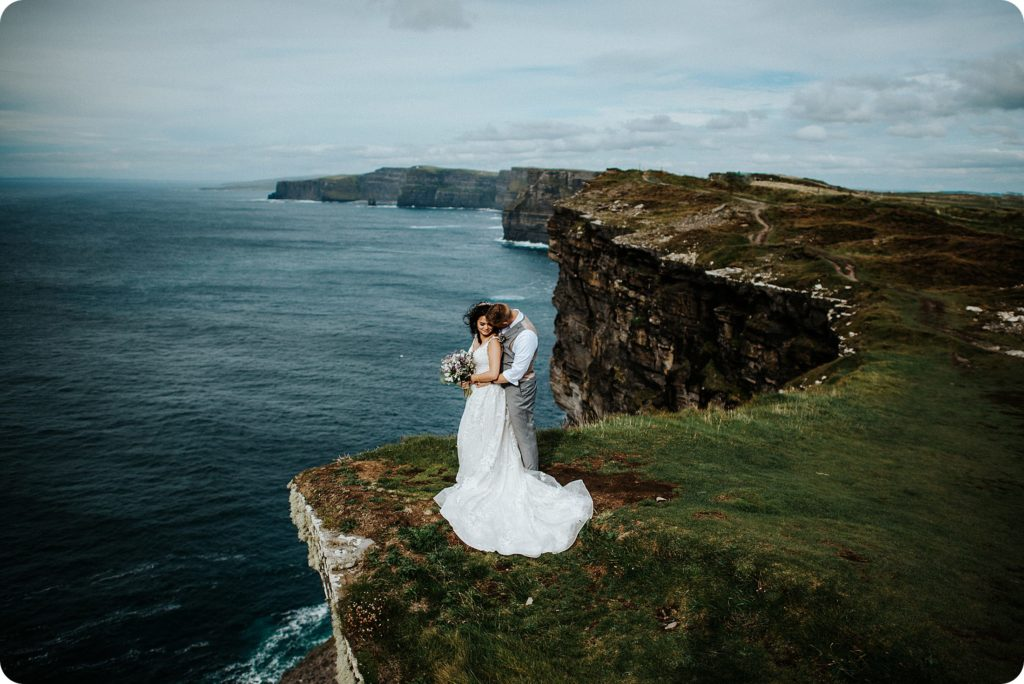 elopement cliffs of moher wedding wedding photography ireland00072