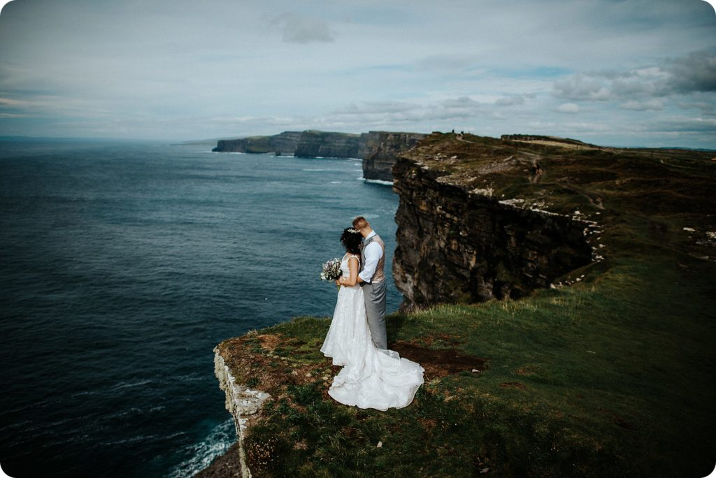 elopement cliffs of moher wedding wedding photography ireland00073