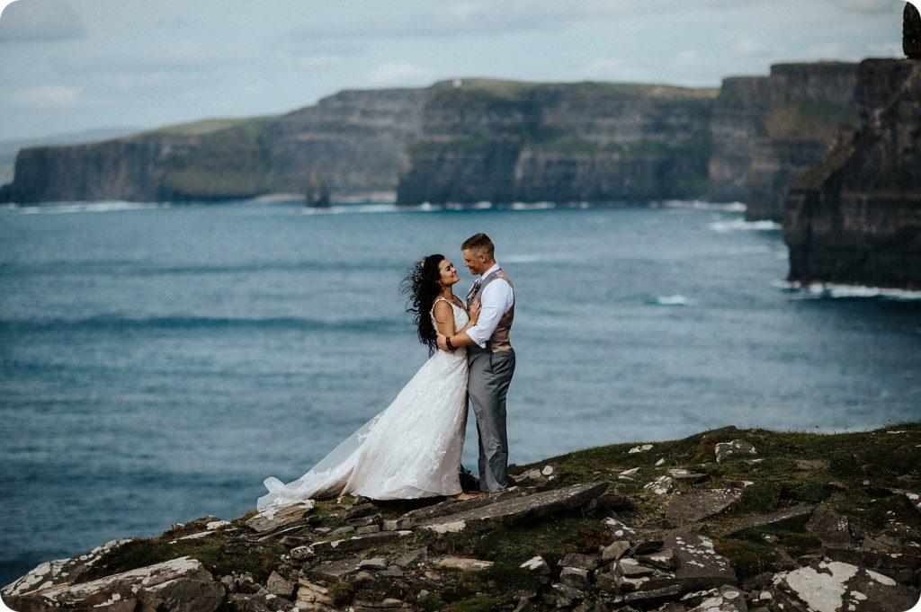 elopement cliffs of moher wedding wedding photography ireland00079