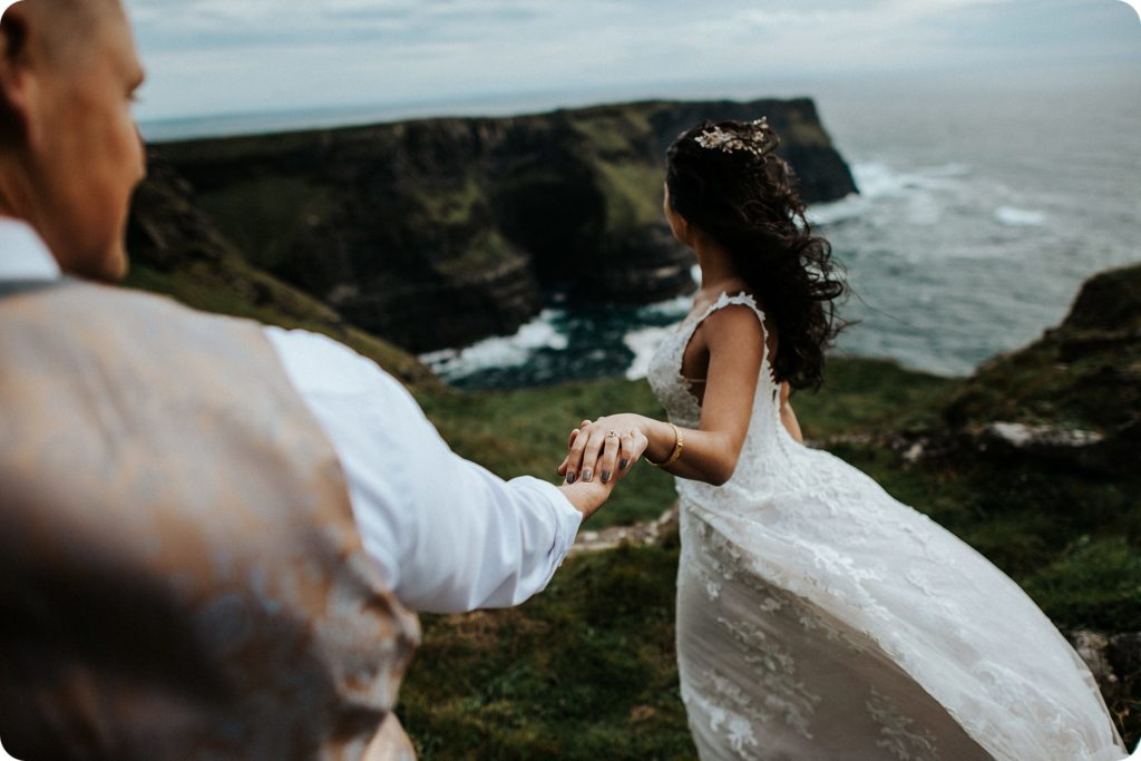 elopement cliffs of moher wedding wedding photography ireland00081