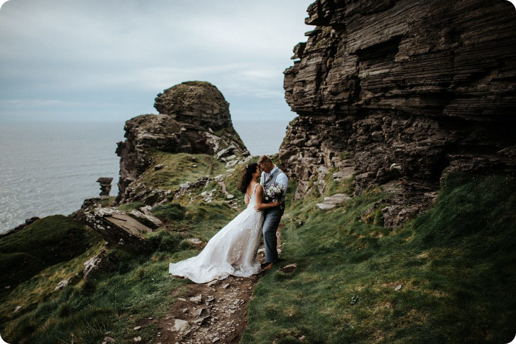 elopement cliffs of moher wedding wedding photography ireland00085