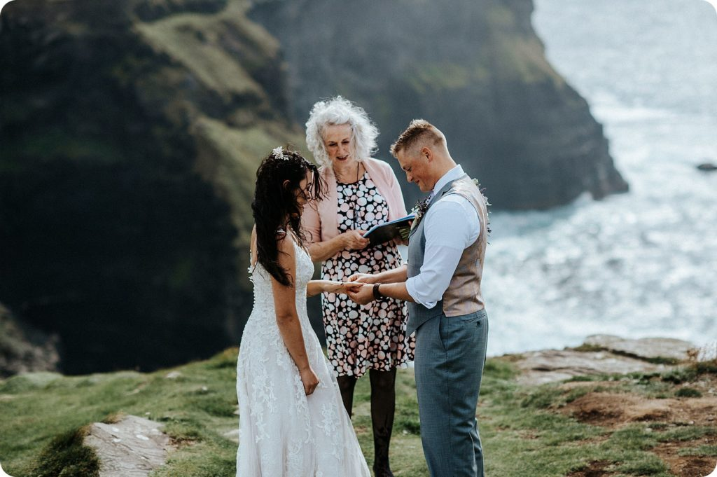 elopement cliffs of moher wedding wedding photography ireland00034