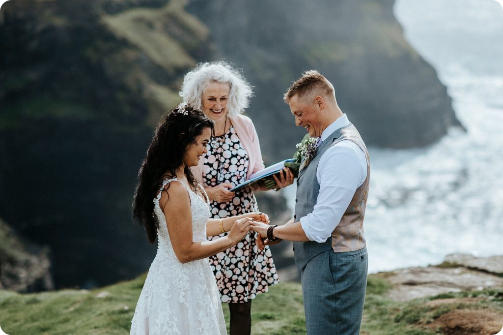 elopement cliffs of moher wedding wedding photography ireland00035