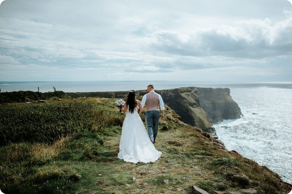 elopement cliffs of moher wedding wedding photography ireland00041