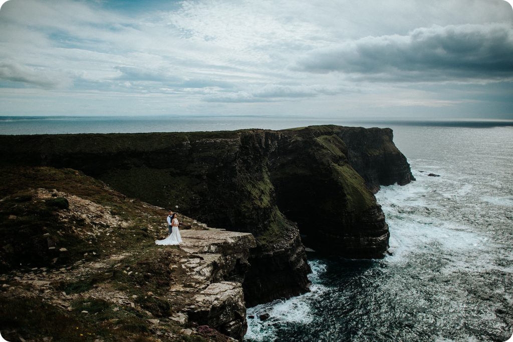 elopement cliffs of moher wedding wedding photography ireland00055