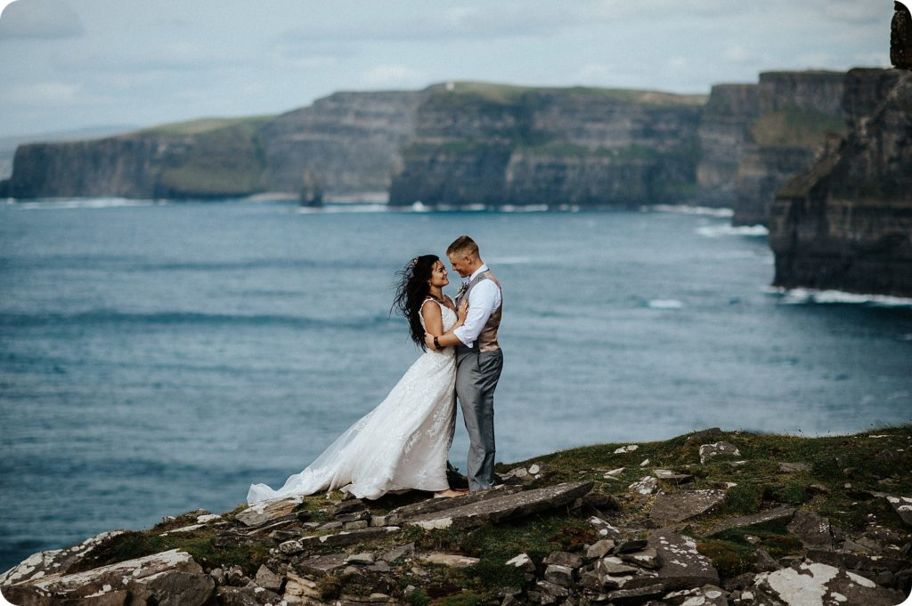 elopement cliffs of moher wedding wedding photography ireland00080