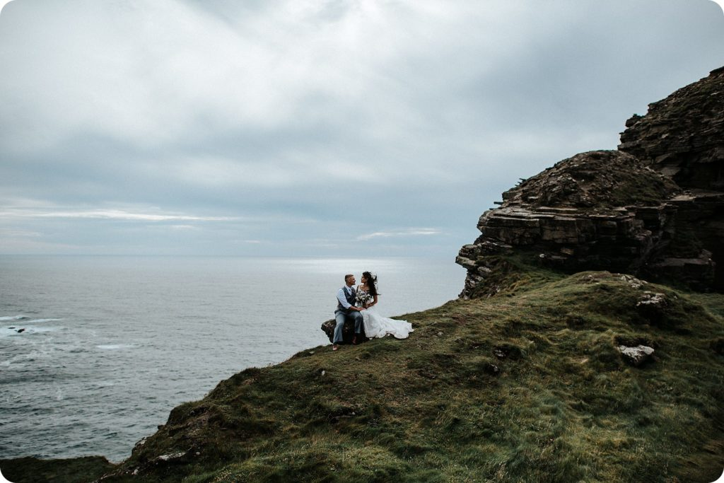 elopement cliffs of moher wedding wedding photography ireland00084