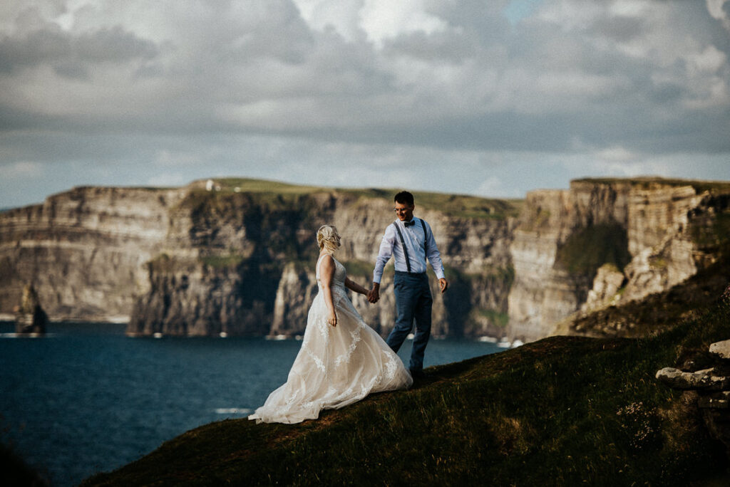 cliffs of moher wedding 15