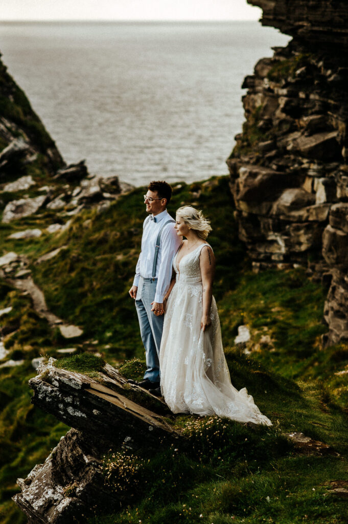 cliffs of moher wedding 22