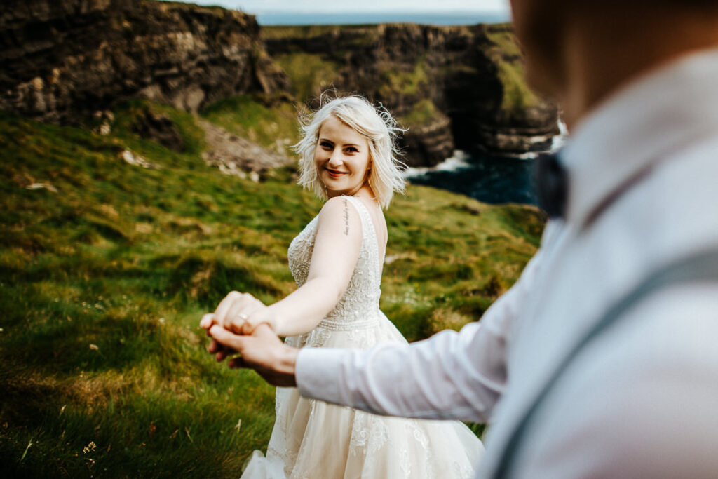 cliffs of moher wedding 27